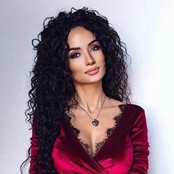 Nana, Russian
